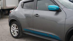 Nissan Juke 2016 - VinylWrapToronto.com - Vehicle Decals & Lettering - Best Vehicle Wrap in Toronto - 3M - Gloss Atomic Teal - Side Closeup