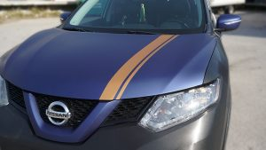 Nissan Rogue 2014 - Full Vinyl Wrap - Stripes - VinylWrapToronto.com - Best Vehicle Wrap in Toronto - Front Closeup